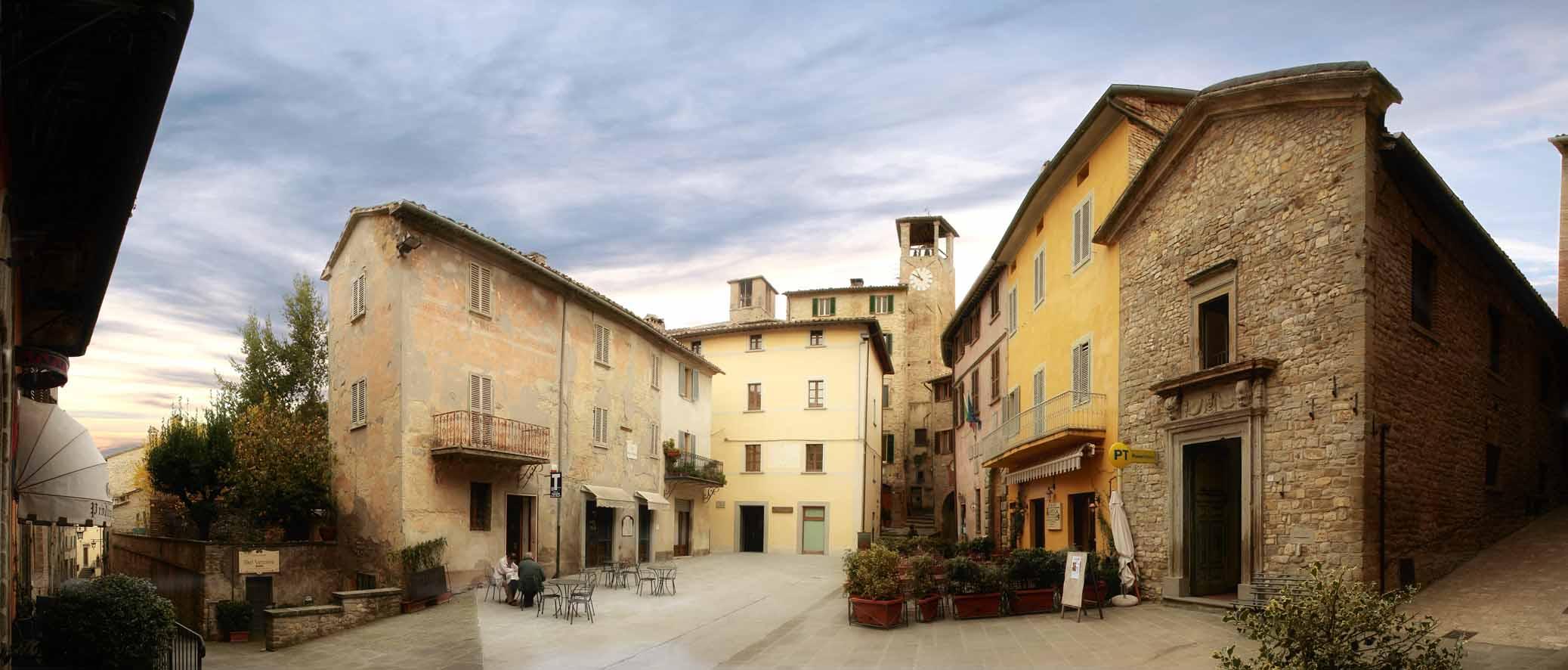 Piazza Montone